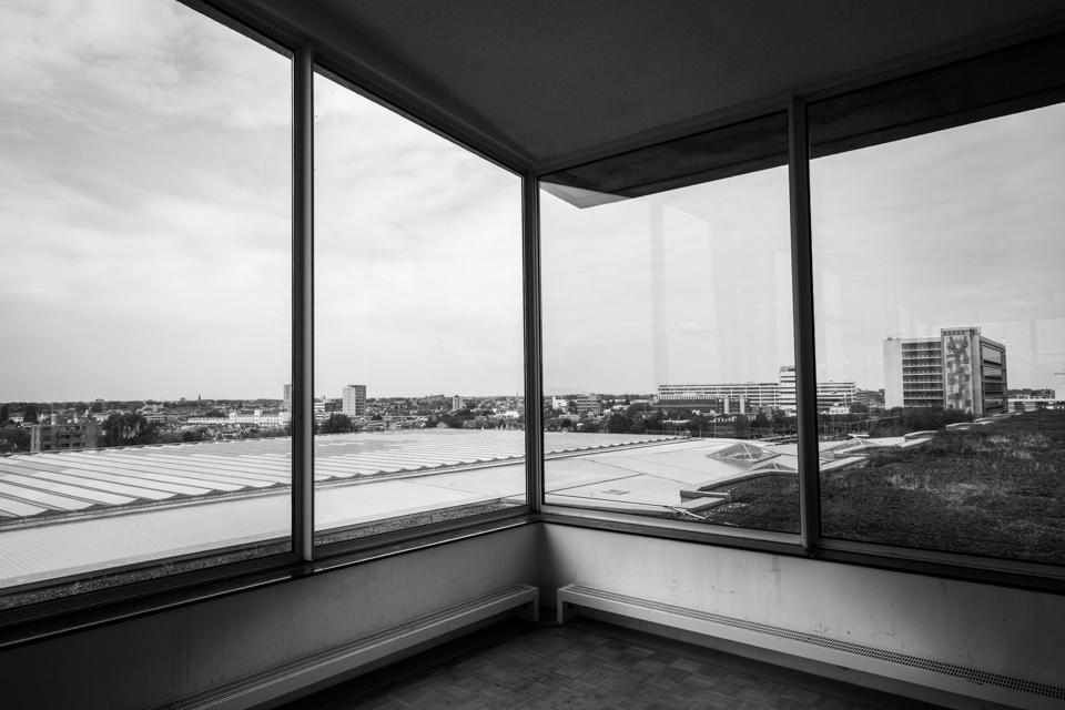 ©zw010-1138 Groothandelsgebouw zwart wit foto Rotterdam
