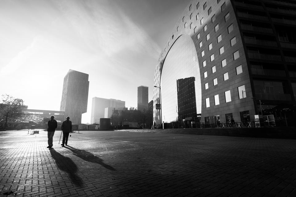 @ZW010 -03042 - De Markthal zwart wit foto Rotterdam