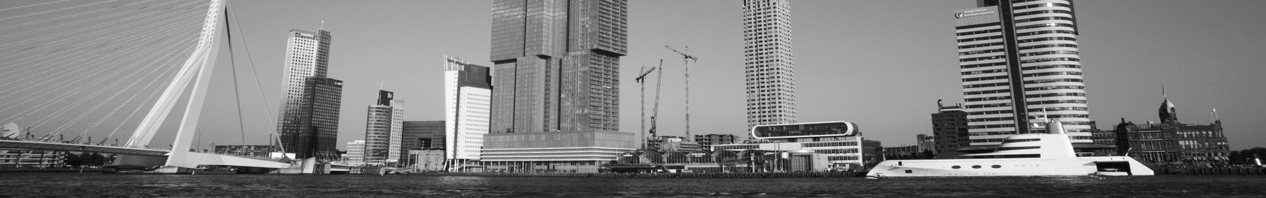 Philippe Starck A Yacht Rotterdam zwart wit foto